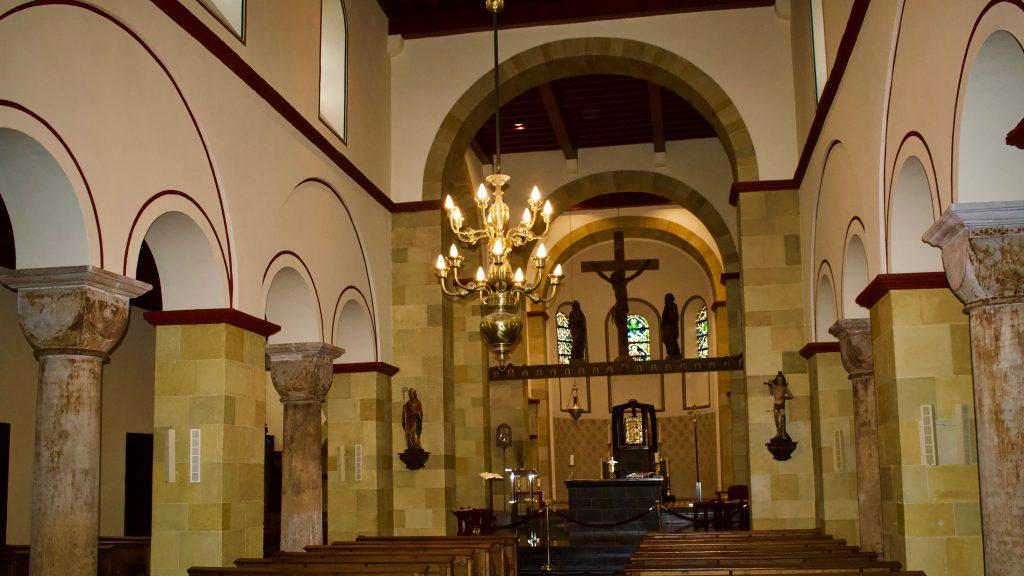 bezoek-aan-de-basiliek-heilige-amelberga
